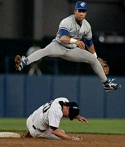 Roberto Alomar turning the double play